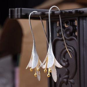 925 Sterling Silver Delicate Flower Drop Earrings